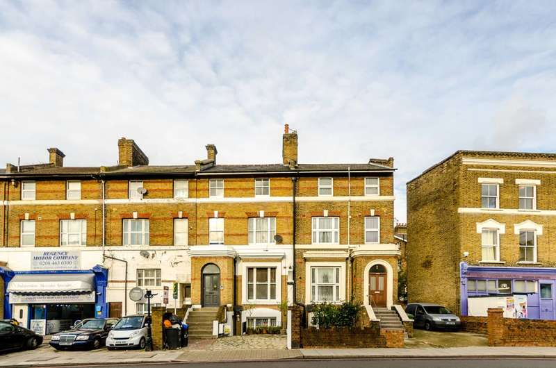 2 Bedrooms Flat for sale in Lee High Road, Lewisham, SE13