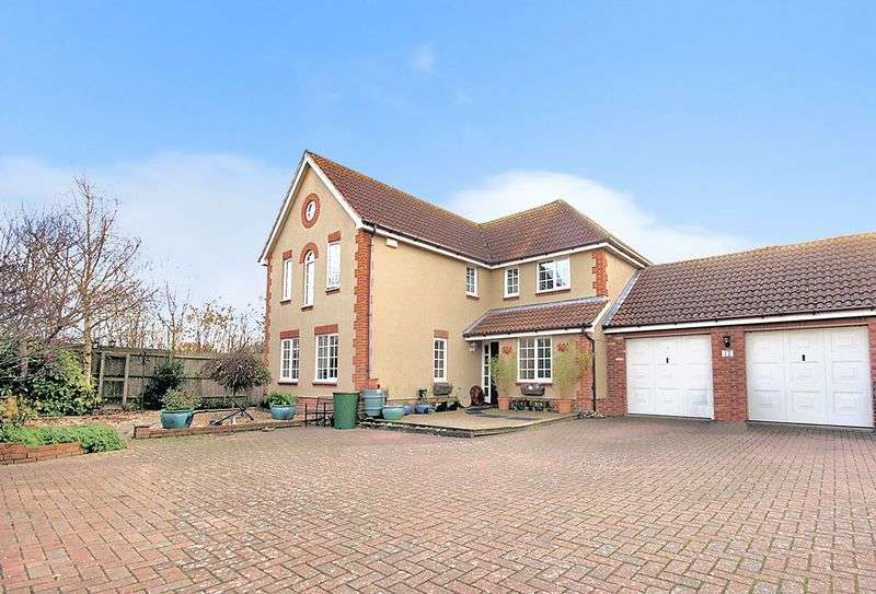 4 Bedrooms Detached House for sale in Grafton Close, Priddys Hard, Gosport, PO12