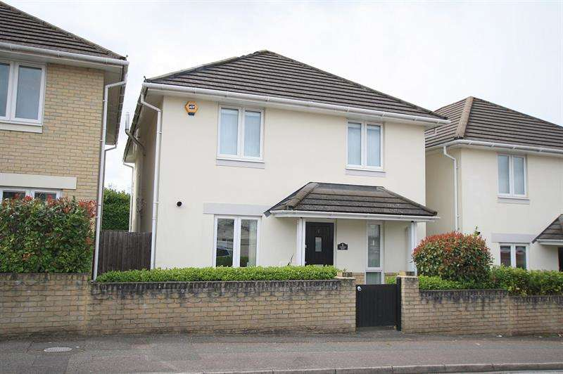 4 Bedrooms Detached House for sale in Victoria Mews, Library Road, Ferndown