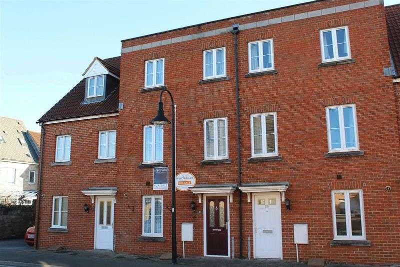 4 Bedrooms Terraced House for sale in Worle Moor Road, Weston-Super-Mare