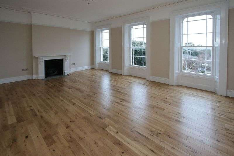 4 Bedrooms Flat for sale in Victoria Road, Clevedon