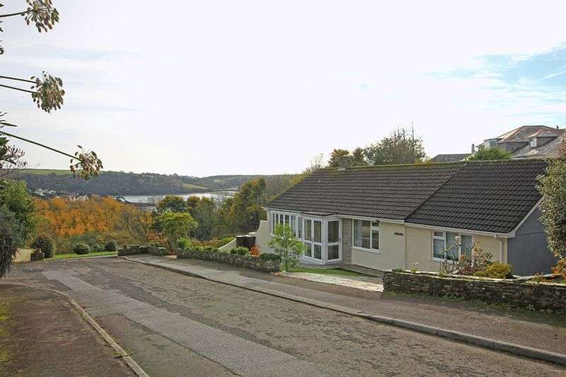 3 Bedrooms Detached Bungalow for sale in Place View Road, St Mawes