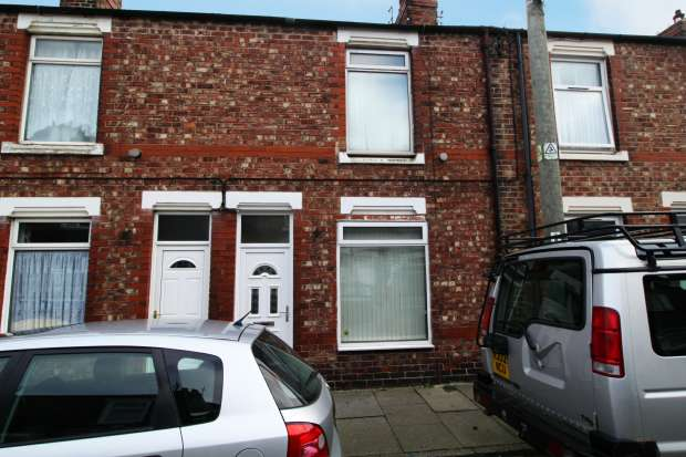 2 Bedrooms Terraced House for sale in Gladstone Street, Carlin How, Saltburn-By-The-Sea, Cleveland, TS13 4DR