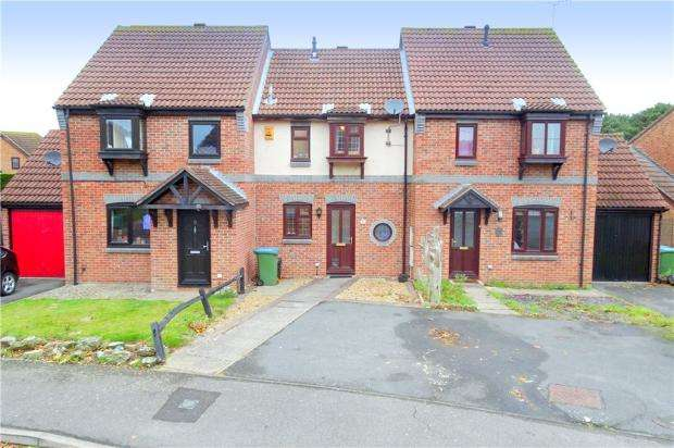 2 Bedrooms Terraced House for sale in Longships, Littlehampton, West Sussex, BN17