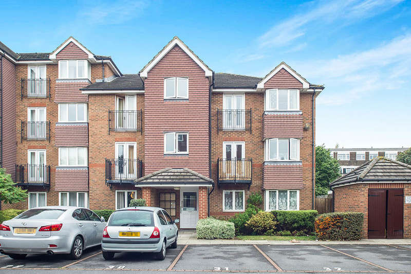 2 Bedrooms Flat for sale in Jemmett Close, Kingston Upon Thames, KT2