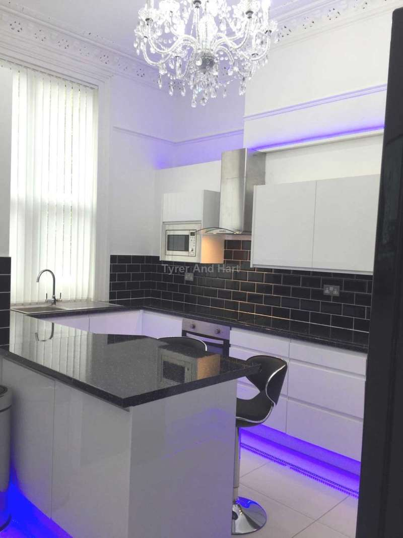 8 Bedrooms House Share for rent in Croxteth Road, Liverpool