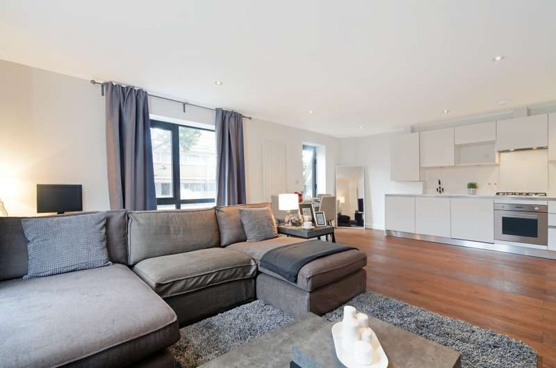 2 Bedrooms Apartment Flat for sale in Loren Apartments, Blair Street, Canary Wharf, E14