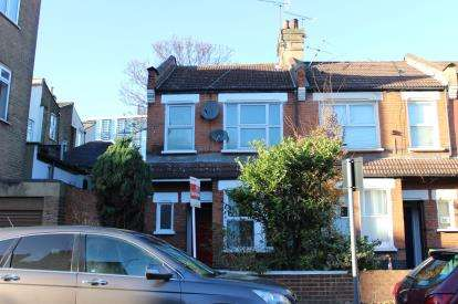 2 Bedrooms Maisonette Flat for sale in Stratford, London, England