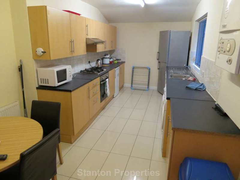 5 Bedrooms Terraced House for rent in 80 pppw, Cawdor Road, Fallowfield