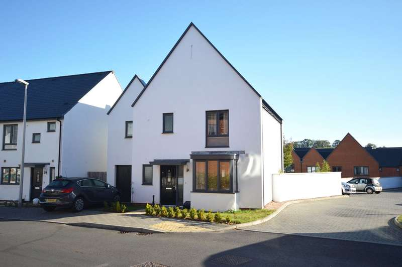 4 Bedrooms Detached House for sale in Exminster, Devon