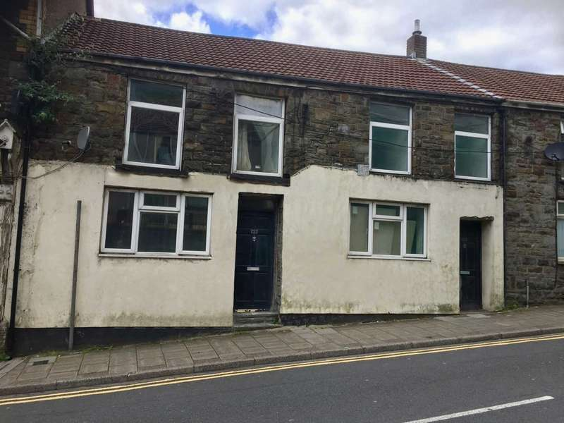 3 Bedrooms Terraced House for sale in Ystrad Road, Pentre