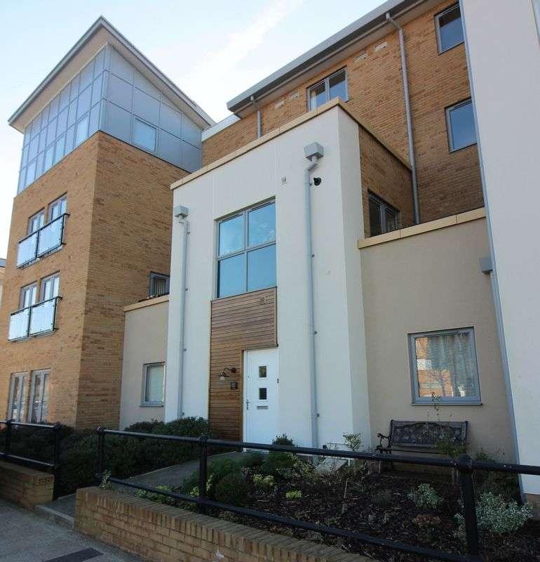 2 Bedrooms Maisonette Flat for sale in Mizzen Court, Portishead