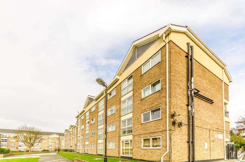 2 Bedrooms Flat for sale in Stocksfield Road, Walthamstow, E17
