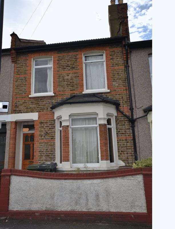 3 Bedrooms Terraced House for sale in Renness Road, London