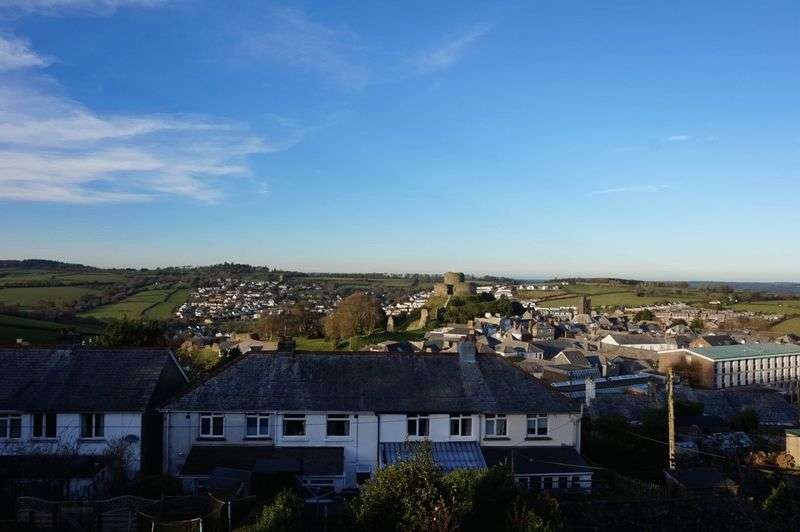 3 Bedrooms Terraced House for sale in Pennance Terrace, Launceston