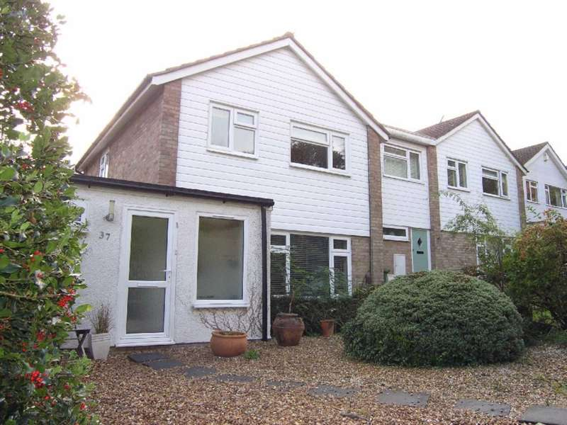 3 Bedrooms Detached House for sale in Finch Lane, Bushey