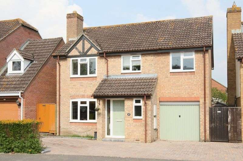 4 Bedrooms Detached House for sale in Devizes, Wiltshire, SN10 2RJ