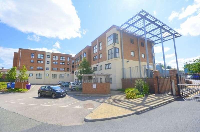2 Bedrooms Flat for sale in 125 Lowbridge Court