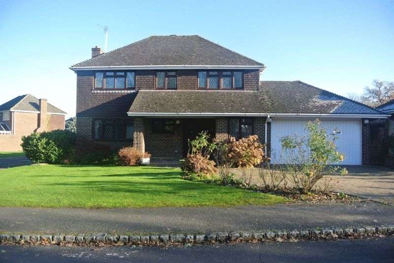 4 Bedrooms Detached House for sale in St Leonard's Avenue, Chineham