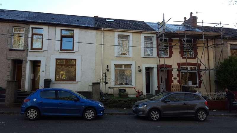 Terraced House for sale in 4 Bryn Terrace, Melincourt, Neath