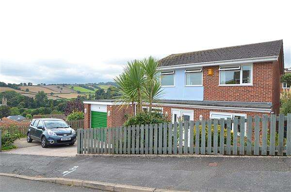 4 Bedrooms Detached House for sale in Upper Longlands, Dawlish