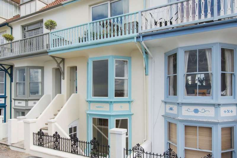 3 Bedrooms Apartment Flat for sale in Wave Crest, Whitstable, CT5