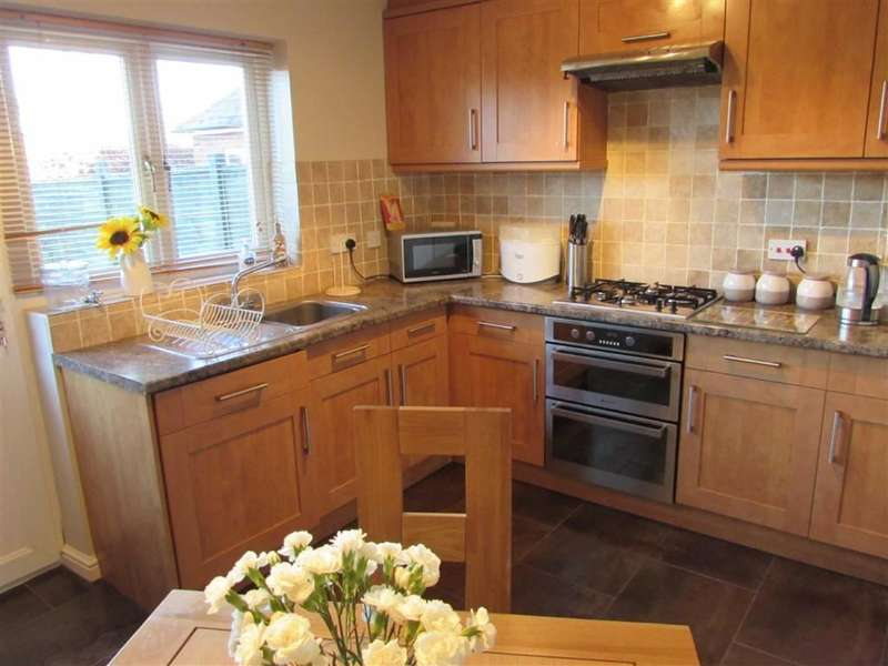 2 Bedrooms Terraced House for rent in Catchacre, Dunstable