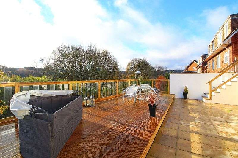3 Bedrooms Semi Detached House for sale in Almond Grove, Scarborough