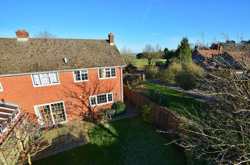 4 Bedrooms Semi Detached House for sale in Sprigs Hill, Sprigs Holly