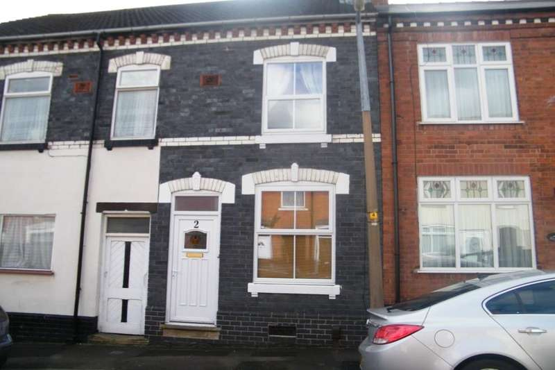 3 Bedrooms Property for sale in Mace Street, Cradley Heath, B64