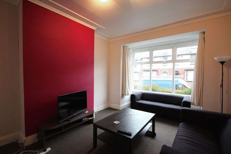 5 Bedrooms Terraced House for rent in Estcourt Avenue, Headingley, Leeds