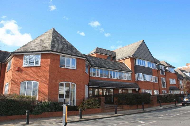 1 Bedroom Retirement Property for sale in Balcon Court, Ealing, W5 3AZ