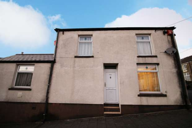 3 Bedrooms Property for sale in Dumfries Street, Treorchy, Mid Glamorgan, CF42 5PT