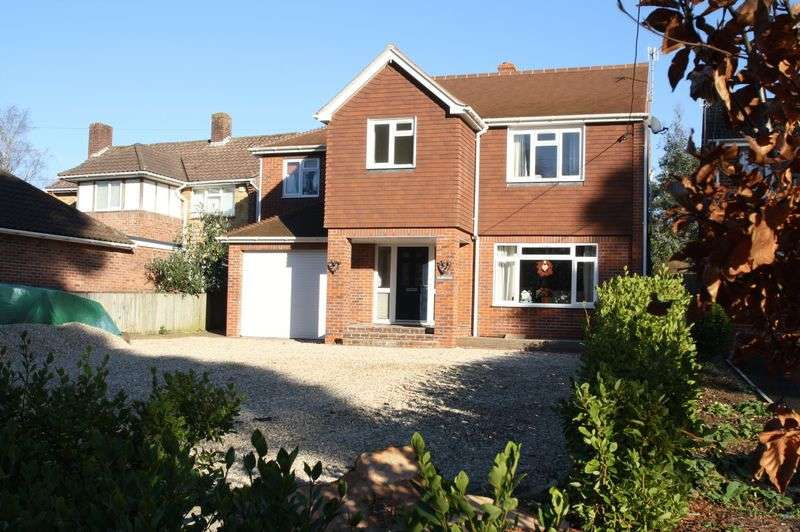 4 Bedrooms Detached House for sale in Rareridge Lane, Bishops Waltham