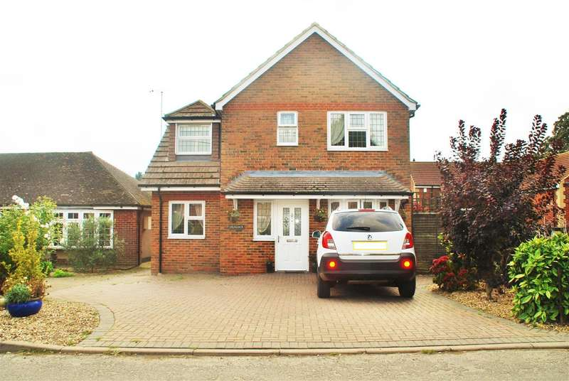 3 Bedrooms Detached House for sale in PICKWICK, MAIN ROAD, COOLING