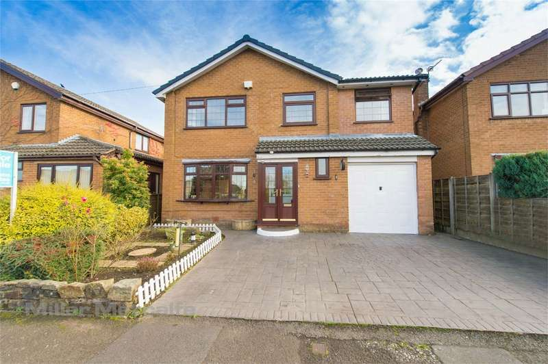 4 Bedrooms Detached House for sale in Manley Close, Summerseat, Bury, Lancashire