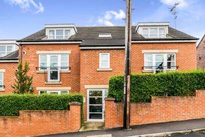 2 Bedrooms Flat for sale in Vicarage Terrace, Leeds, West Yorkshire