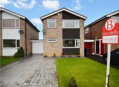3 Bedrooms Detached House for sale in Crabtree Crescent, Sheffield, South Yorkshire