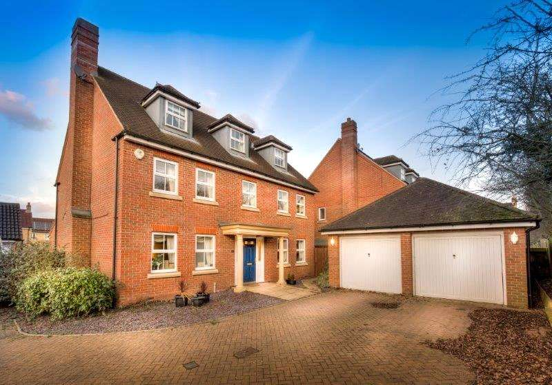 6 Bedrooms Detached House for sale in Takeley