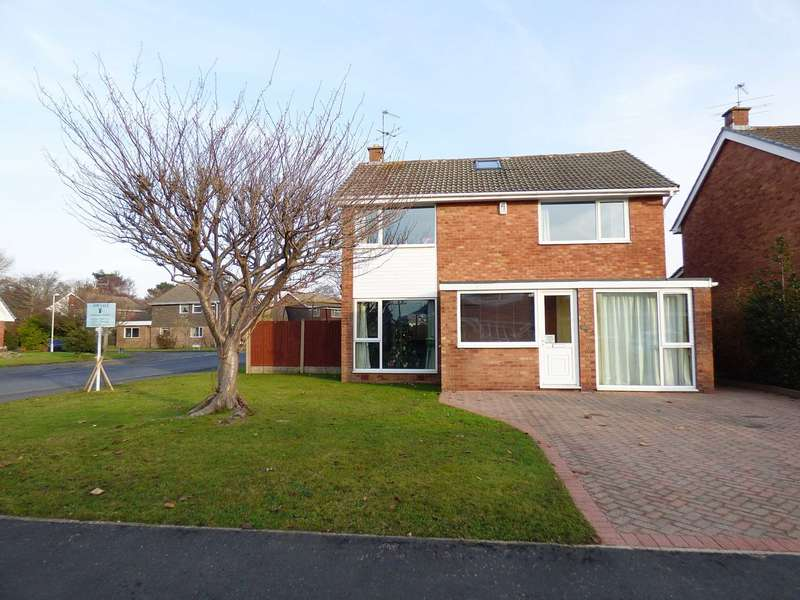 4 Bedrooms Detached House for sale in 1 Kingswood Close, Lytham Hall Park, Lytham, FY8 4RE