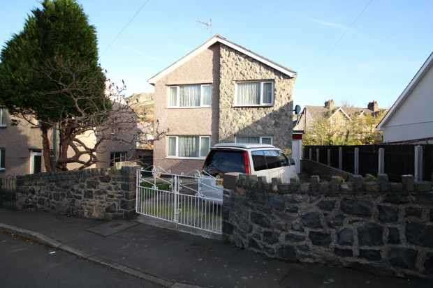 3 Bedrooms Detached House for sale in Nant Y Felin Rd,, Llanfairfechan, Gwynedd, LL33 0TE