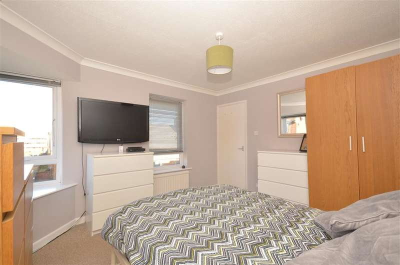 3 Bedrooms Town House for sale in Chapel Street, Southsea, Hampshire