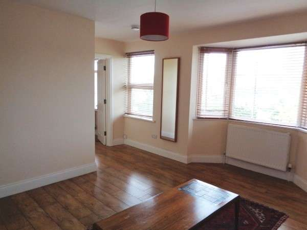 2 Bedrooms Flat for sale in The Fairway, Mill Hill, NW7