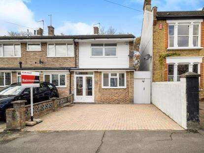 3 Bedrooms End Of Terrace House for sale in South Woodford, London