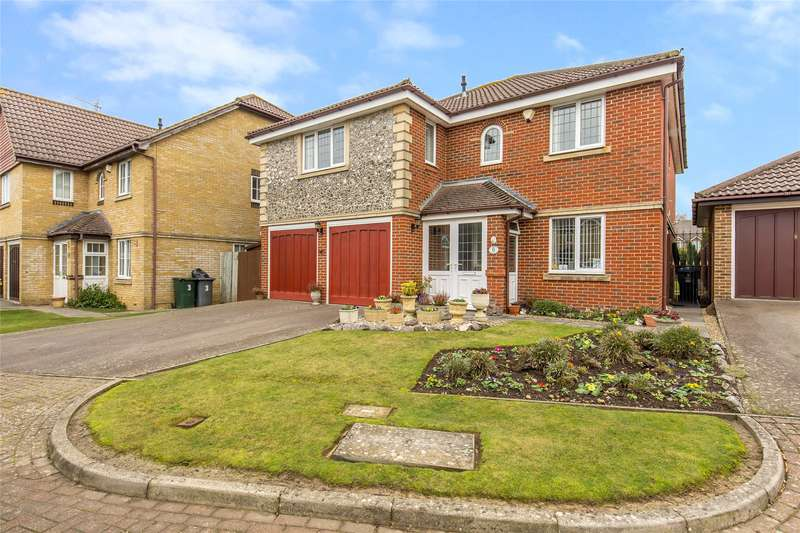 5 Bedrooms Detached House for sale in Dumville Drive, Godstone, Surrey, RH9