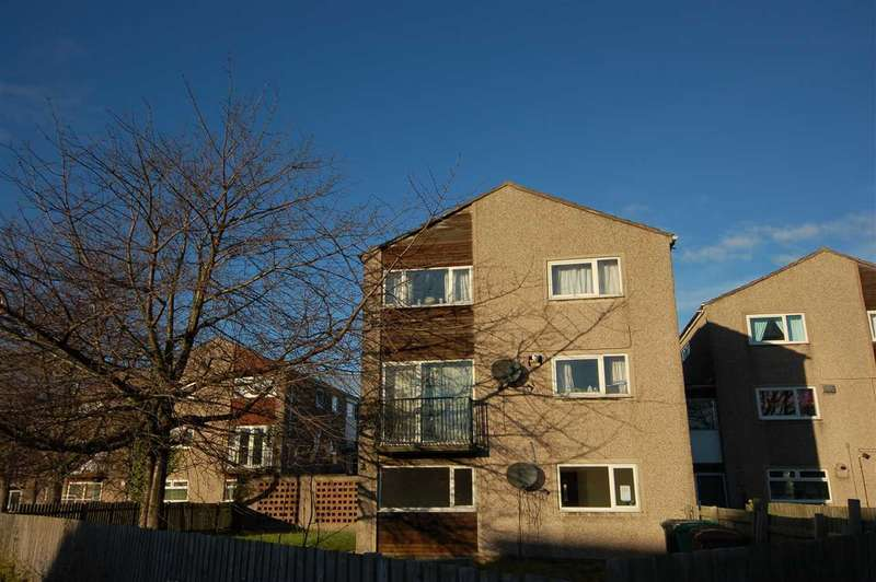 3 Bedrooms Apartment Flat for sale in Hilton Road, Rosyth