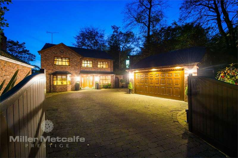 4 Bedrooms Detached House for sale in Chatsworth Road, Worsley, Manchester