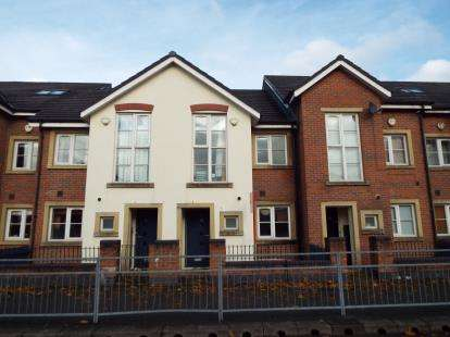 3 Bedrooms Terraced House for sale in Raby Street, Manchester, Greater Manchester