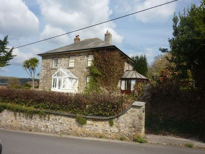 5 Bedrooms Detached House for sale in Grenville Road, Lostwithiel