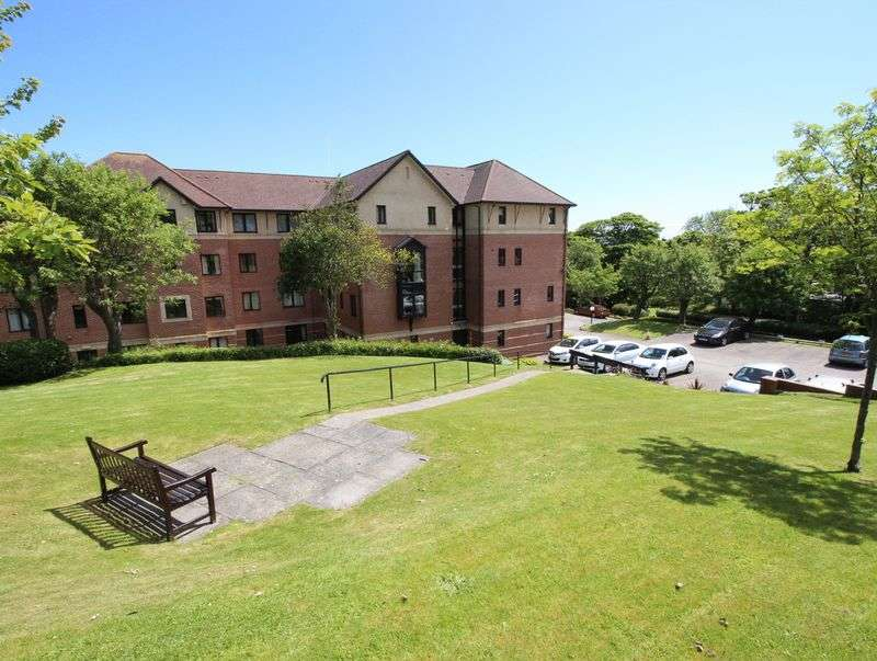 2 Bedrooms Flat for sale in Filey Road, Scarborough